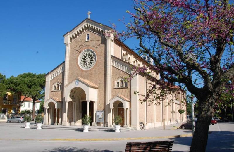 Chiesa di Santa Maria della Neve di Senigallia detta del Portone