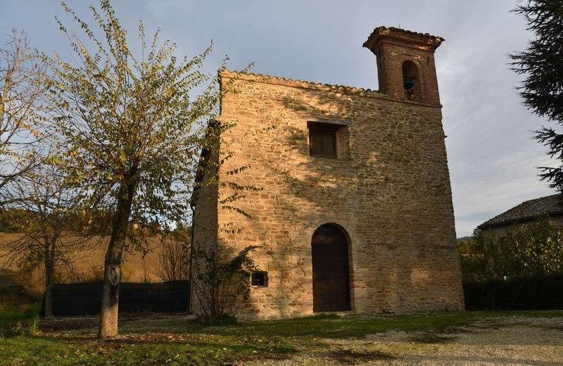 Chiesa di Santa Maria della Piana a Castiglioni di Arcevia
