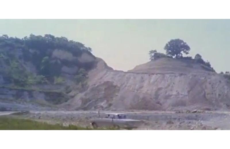 La cava di San Gaudenzio durante le riprese di 'Belva col mitra'