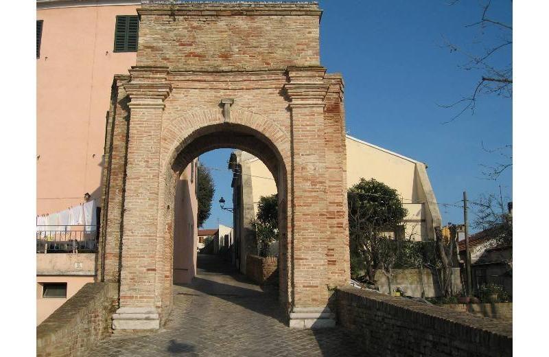 Porta d'ingresso al castello di Roncitelli di Senigallia