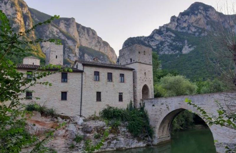 Genga ponte Romano sul Sentino