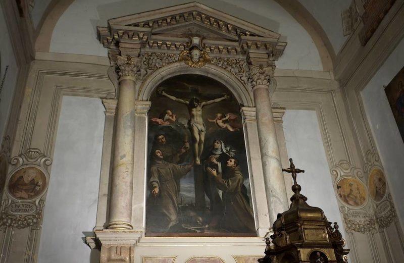 Gesù Crocifisso con san Francesco d'Assisi, san Diego d'Alcalà, san Giacomo della Marca e santa Caterina da Siena, Claudio Ridolfi nel 1622 Santuario di S. Pasquale Baylon Ostra Vetere