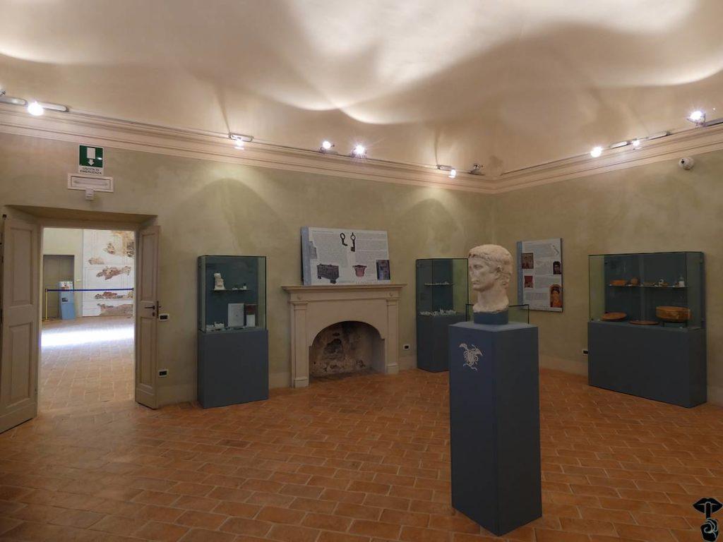 Interno del palazzo della Rovere a Castelleone di Suasa sede del Museo Civico Archeologico Alvaro Casagrande