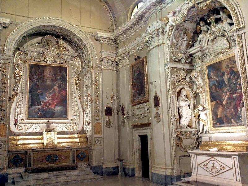 Interno della chiesa di San Rocco a Ostra