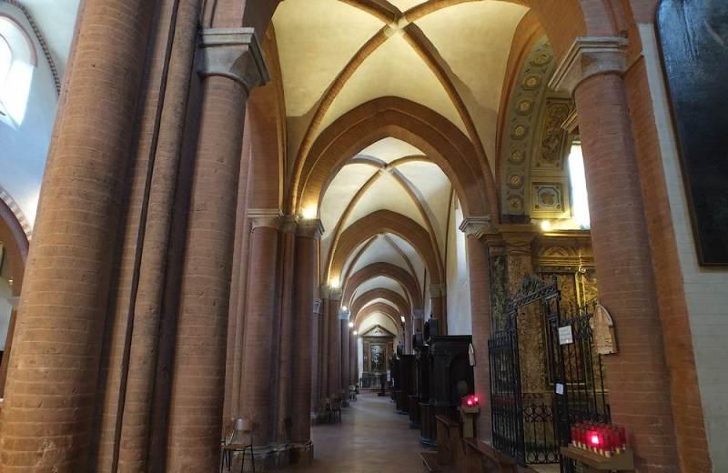 Navata sinistra dell'Abbazia Santa Maria di Castagnola a Chiaravalle