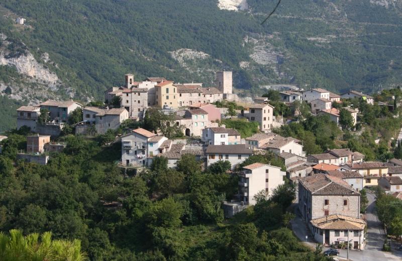 Pierosara di Genga anticamente chiamata Castelpetroso